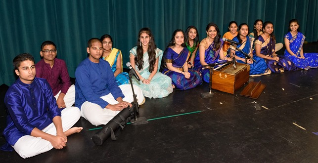 Hare Krishna Mandir Youth Singing Shlokas